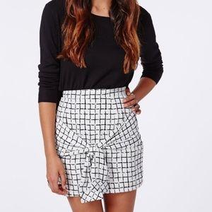 Rosiee Grid Print Waist Tie Mini Skirt // Missguid